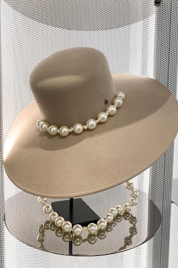 Maison Michel hat advisor